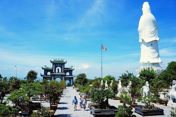 chùa linh ứng top 6 địa điểm du lịch đà nẵng đẹp
